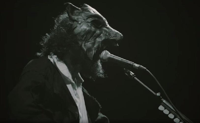 https://www.ragusanews.com//immagini_articoli/26-07-2021/un-anticipo-del-bestiale-concerto-di-capossela-a-donnafugata-video-500.jpg