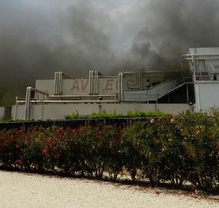 http://www.ragusanews.com//immagini_articoli/26-08-2016/incendio-all-avimecc-40-milioni-di-euro-di-danni-420.jpg