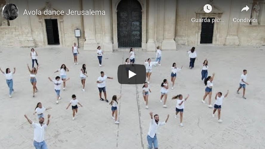 https://www.ragusanews.com//immagini_articoli/26-08-2020/avola-un-video-sulle-note-di-jerusalema-500.jpg