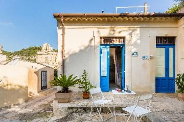 https://www.ragusanews.com//immagini_articoli/26-08-2020/in-sicilia-con-il-bonus-vacanze-anche-a-settembre-e-ottobre-240.jpg
