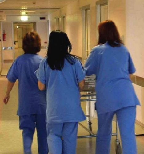 https://www.ragusanews.com//immagini_articoli/26-09-2011/la-penuria-di-infermieri-al-maggiore-di-modica-500.jpg