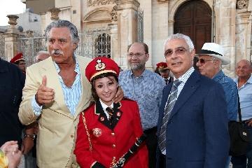 http://www.ragusanews.com//immagini_articoli/26-09-2011/uno-nessuno-centomila-lando-buzzanca-a-ispica-240.jpg