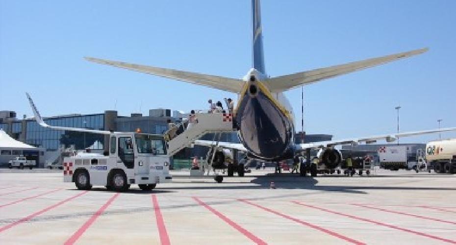 https://www.ragusanews.com//immagini_articoli/26-09-2014/crocetta-aeroporto-di-comiso-non-chiudera-500.jpg