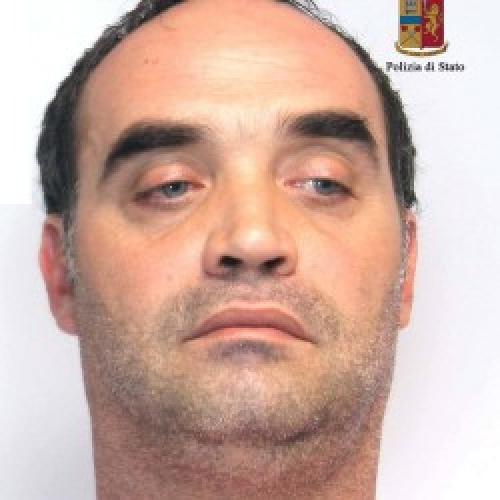 https://www.ragusanews.com//immagini_articoli/26-09-2014/droga-arrestato-carmelo-chessari-500.jpg