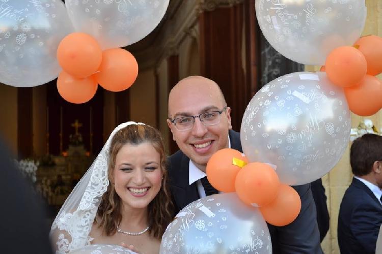 http://www.ragusanews.com//immagini_articoli/26-09-2014/il-consigliere-sposa-la-vicesindaco-e-si-dimette-per-amore-500.jpg