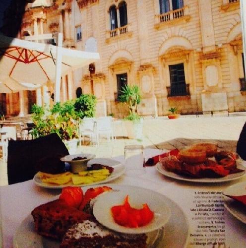 https://www.ragusanews.com//immagini_articoli/26-09-2015/la-colazione-diffusa-sulla-rivista-dove-500.jpg