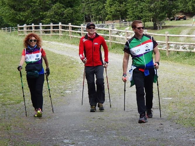 https://www.ragusanews.com//immagini_articoli/26-09-2017/dimagrire-nordic-walking-500.jpg