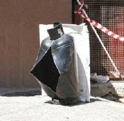 https://www.ragusanews.com//immagini_articoli/26-09-2018/esplode-bombola-comisano-ricoverato-catania-240.jpg