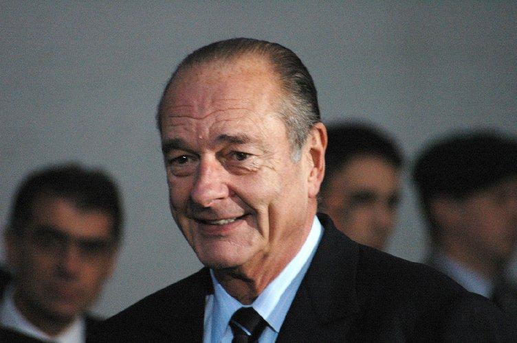 https://www.ragusanews.com//immagini_articoli/26-09-2019/francia-e-morto-l-ex-presidente-chirac-aveva-86-anni-500.jpg