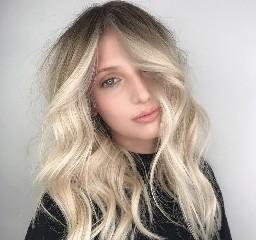 https://www.ragusanews.com//immagini_articoli/26-09-2020/1601103053-colori-capelli-autunno-2020-i-trend-della-stagione-1-240.jpg