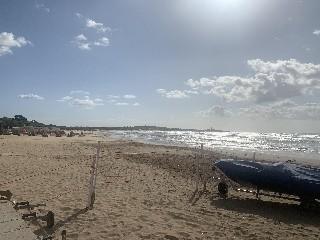 https://www.ragusanews.com//immagini_articoli/26-09-2020/pioggia-e-vento-di-burrasca-allerta-meteo-in-sicilia-240.jpg