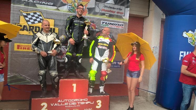 https://www.ragusanews.com//immagini_articoli/26-10-2016/carmelo-rizza-vince-il-campionato-regionale-velocita-motoristica-420.jpg