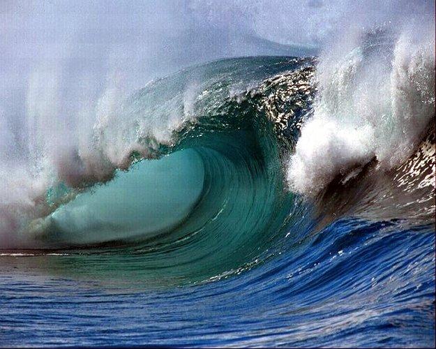 https://www.ragusanews.com//immagini_articoli/26-10-2018/terremoto-sarebbe-tsunami-sicilia-piccolo-nefasto-500.jpg