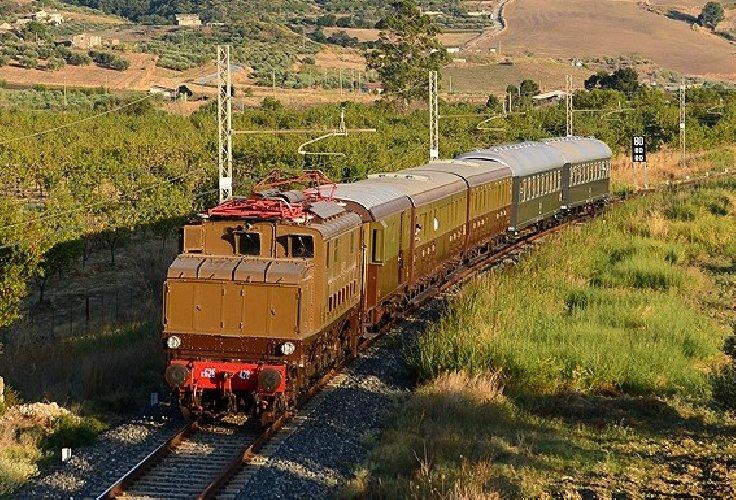 https://www.ragusanews.com//immagini_articoli/26-10-2019/maltempo-cancellato-il-treno-storico-diretto-a-scicli-e-modica-500.jpg