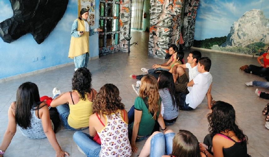 https://www.ragusanews.com//immagini_articoli/26-11-2013/dispersione-scolastica-triste-primato-per-ragusa-in-sicilia-500.jpg