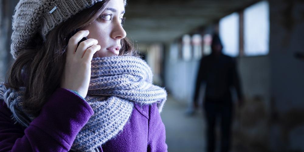http://www.ragusanews.com//immagini_articoli/26-11-2015/lui-25-anni-lei-20-lui-stalker-lei-vittima-500.jpg