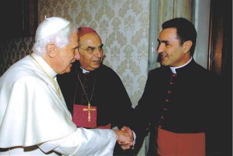 https://www.ragusanews.com//immagini_articoli/26-11-2018/anniversario-dellingresso-diocesi-ragusa-monsignor-cuttitta-500.jpg