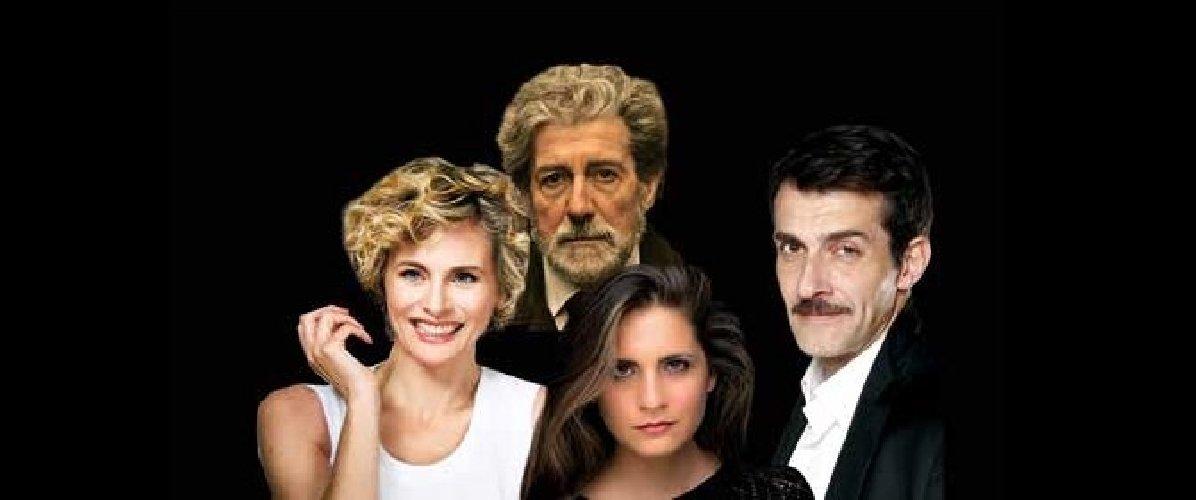 https://www.ragusanews.com//immagini_articoli/26-11-2018/signora-camelie-teatro-ragusa-ibla-500.jpg