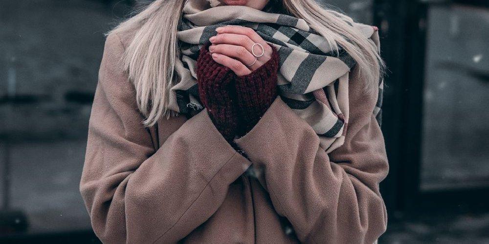 https://www.ragusanews.com//immagini_articoli/26-11-2020/1606417100-giacche-e-cappotti-donna-con-gli-sconti-del-black-friday-2020-5-500.jpg