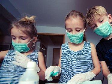 https://www.ragusanews.com//immagini_articoli/26-11-2020/confermato-l-obbligo-di-mascherina-per-i-bambini-sopra-i-6-anni-280.jpg