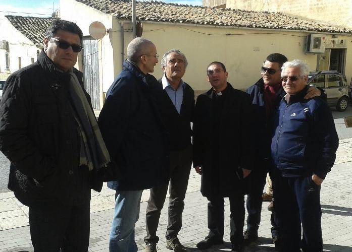 http://www.ragusanews.com//immagini_articoli/26-12-2014/on-ragusa-199-mila-euro-per-la-chiesa-di-donnalucata-500.jpg