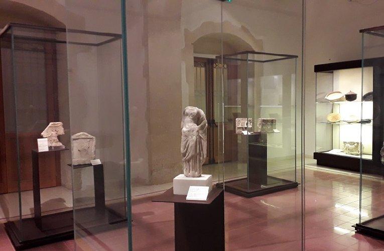 https://www.ragusanews.com//immagini_articoli/26-12-2019/palazzolo-una-mostra-su-akrai-500.jpg