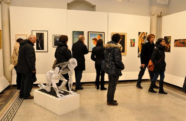 https://www.ragusanews.com//immagini_articoli/27-01-2013/un-calderone-di-artisti-alla-collettiva-artincontro-a-palazzo-garofalo-500.jpg