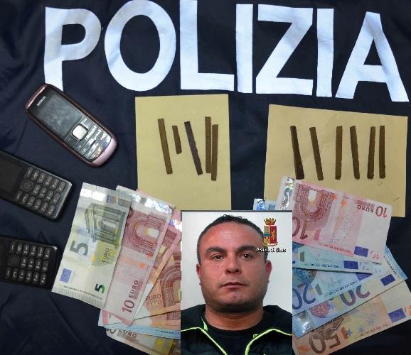 http://www.ragusanews.com//immagini_articoli/27-01-2016/arrestato-lo-spacciatore-di-piazza-manin-500.jpg