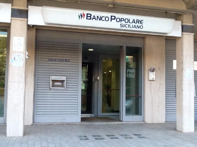 http://www.ragusanews.com//immagini_articoli/27-01-2016/tentata-rapina-al-banco-popolare-siciliano-500.jpg