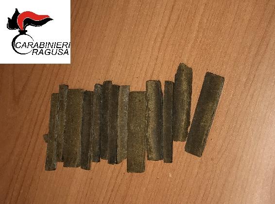 http://www.ragusanews.com//immagini_articoli/27-01-2017/droga-vaso-arrestato-tunisino-420.jpg