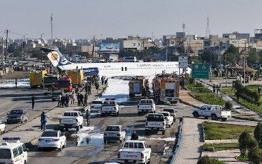https://www.ragusanews.com//immagini_articoli/27-01-2020/1580145007-aereo-atterra-in-strada-nessun-ferito-video-1-240.jpg