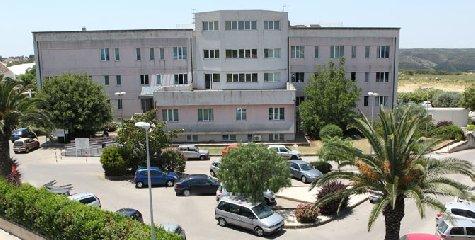 https://www.ragusanews.com//immagini_articoli/27-01-2020/chirurgia-laparoscopica-colecisti-un-primato-a-ragusa-240.jpg