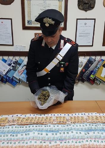 https://www.ragusanews.com//immagini_articoli/27-01-2020/la-droga-per-la-movida-arrestati-in-2-500.png