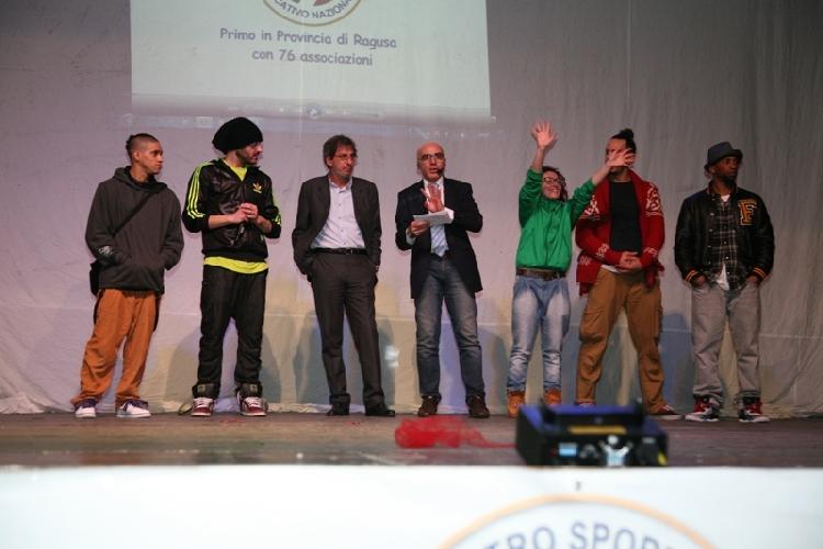 https://www.ragusanews.com//immagini_articoli/27-02-2012/contest-per-la-ricerca-scicli-capitale-della-danza-in-sicilia-500.jpg
