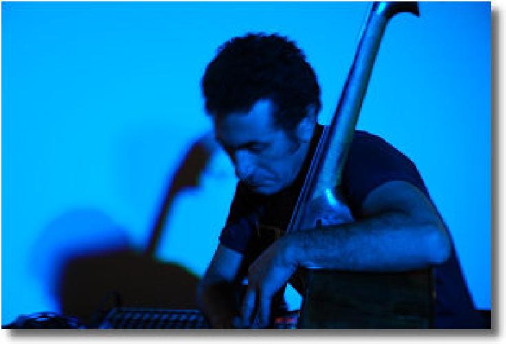 http://www.ragusanews.com//immagini_articoli/27-02-2014/giuseppe-guarrella-niwas-quartet-a-ragusa-500.jpg
