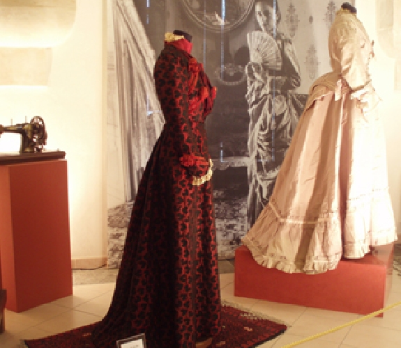 https://www.ragusanews.com//immagini_articoli/27-02-2014/il-museo-del-costume-su-il-settimanale-sicilia-di-rai3-500.jpg