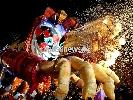http://www.ragusanews.com//immagini_articoli/27-02-2017/carnevale-chiaramonte-sfida-carri-iniziata-stasera-sagra-100.jpg