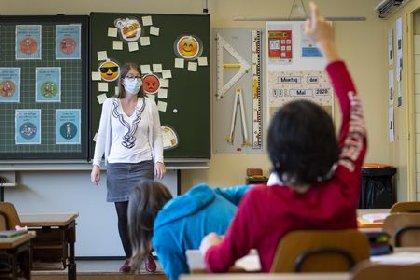https://www.ragusanews.com//immagini_articoli/27-02-2021/3-docenti-positive-scuola-infanzia-don-milani-si-sanifica-280.jpg