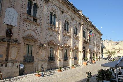 https://www.ragusanews.com//immagini_articoli/27-02-2021/rai-la-sicilia-de-l-atlante-che-non-c-e-su-rai5-280.jpg