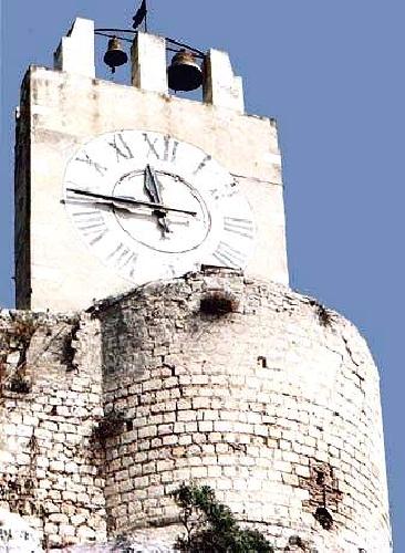 https://www.ragusanews.com//immagini_articoli/27-03-2013/torreggia-magnifico-e-ben-difeso-il-castello-dei-conti-500.jpg