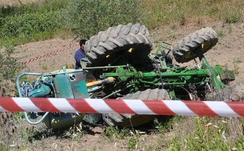 http://www.ragusanews.com//immagini_articoli/27-03-2017/incidente-lavoro-muore-61enne-ispica-500.jpg