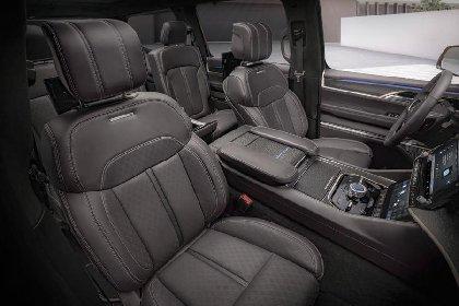 https://www.ragusanews.com//immagini_articoli/27-03-2021/1616870501-jeep-wagoneer-e-grand-wagoneer-tu-vuo-fa-l-americano-4-280.jpg