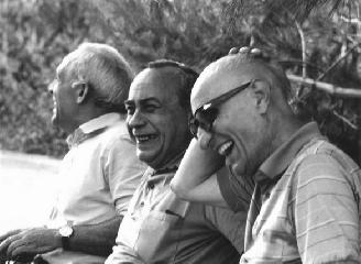 http://www.ragusanews.com//immagini_articoli/27-04-2017/storia-amicizia-libro-giuseppe-leone-chiaramonte-240.jpg