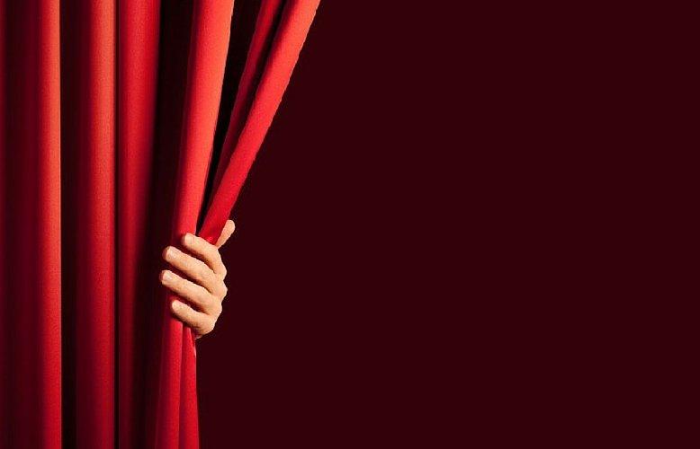 https://www.ragusanews.com//immagini_articoli/27-04-2018/ragusa-occhio-vedecuore-duole-commedia-perracchio-500.jpg