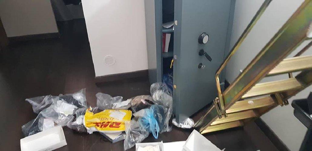 https://www.ragusanews.com//immagini_articoli/27-04-2019/furto-ai-danni-di-un-parrucchiere-modicano-a-catania-500.jpg