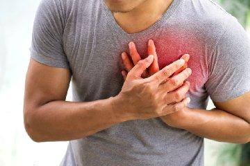 https://www.ragusanews.com//immagini_articoli/27-04-2019/muore-d-infarto-guardia-medica-mentre-aspetta-ambulanza-da-vittoria-240.jpg