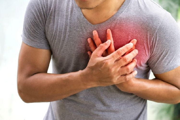 https://www.ragusanews.com//immagini_articoli/27-04-2019/muore-d-infarto-guardia-medica-mentre-aspetta-ambulanza-da-vittoria-500.jpg