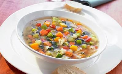 https://www.ragusanews.com//immagini_articoli/27-04-2020/dimagrire-con-la-dieta-del-minestrone-perdere-5-kg-in-soli-sette-giorni-240.jpg