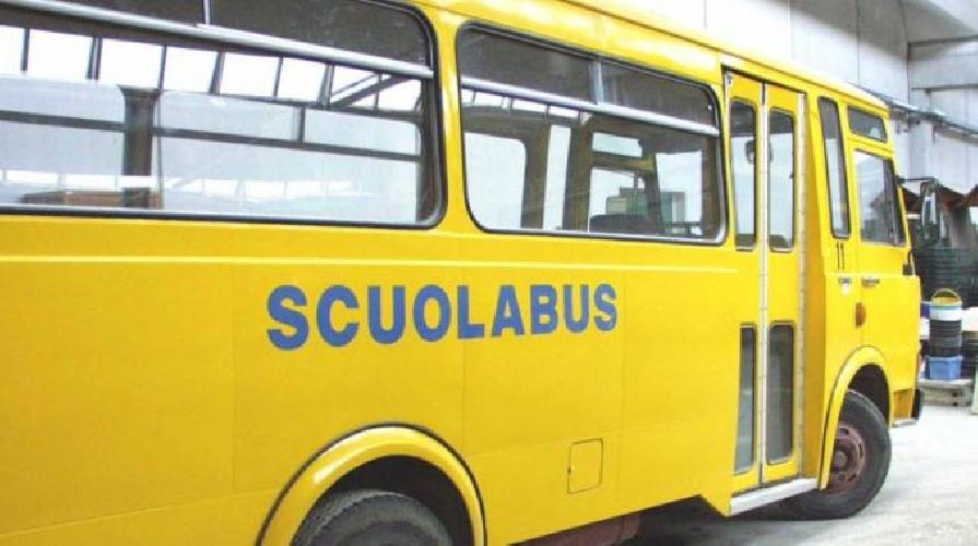http://www.ragusanews.com//immagini_articoli/27-05-2015/lo-scandalo-degli-scuolabus-a-rosolini-e-modica-500.jpg