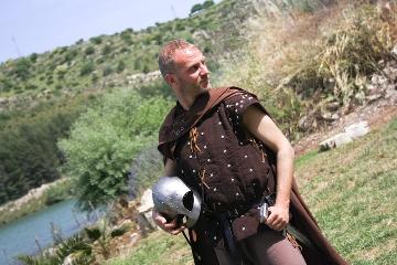 http://www.ragusanews.com//immagini_articoli/27-05-2017/luca-cali-campionati-mondiali-combattimento-medievale-240.jpg